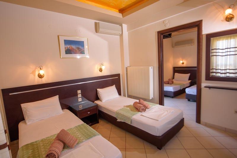 Connecting Rooms Davanzati Hotel: IERISSOS, Hotel Alkionis, Hotel Alkionis